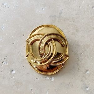 ✨ VINTAGE CHANEL Brooch Pin CC Logo Gold